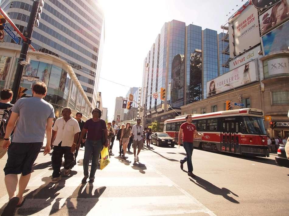 Portrait de voyageurs au long cours ! – Oriane & Toronto (Canada)